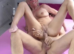 Mature Divorced Wifey Pleasuring..