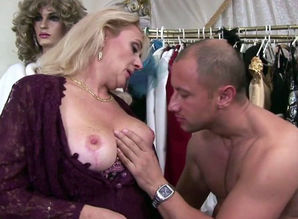 RealMomExposed - Lascivious cougar..