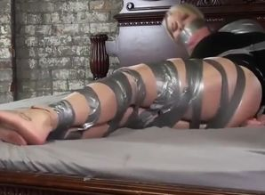Mummy taped bootlessly