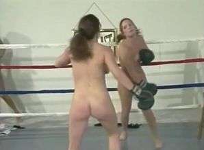Nude boxing in slo-mo