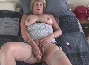 Aged but still uber-sexy mature mothers