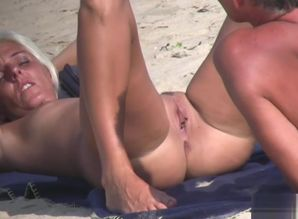 Beaver Crazy Naturist Mature Girls..