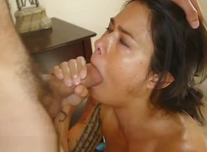 Torrid black-haired stepmother with..