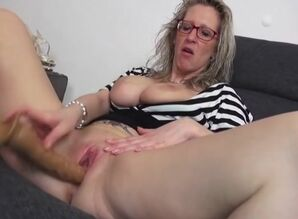 Godlike breasty mature gal haning an..