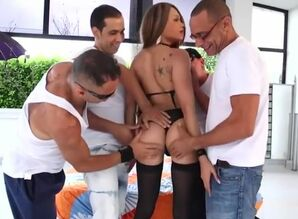 Steaming tranny gang-fuck with popshot