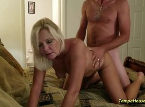 housewife luvs to get humped on vid